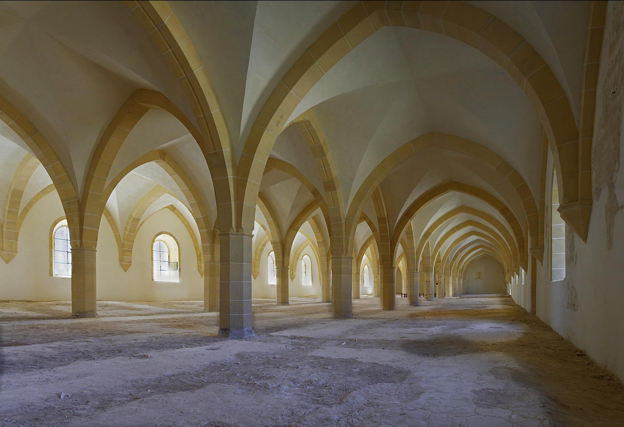 dortoir-des-convers-Abbaye-de-Clairvaux-1