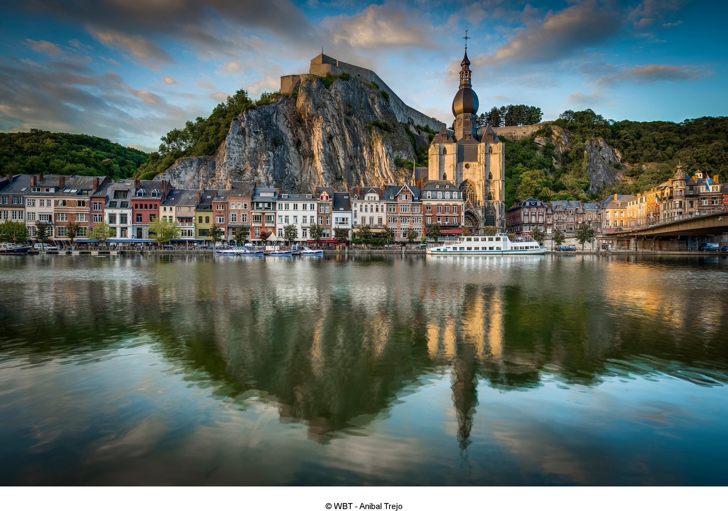 Belgium-Wallonia-Dinant-Meuse-Citadelle-Collegiale-Notre-dame_cWBT-AnibalTrejo