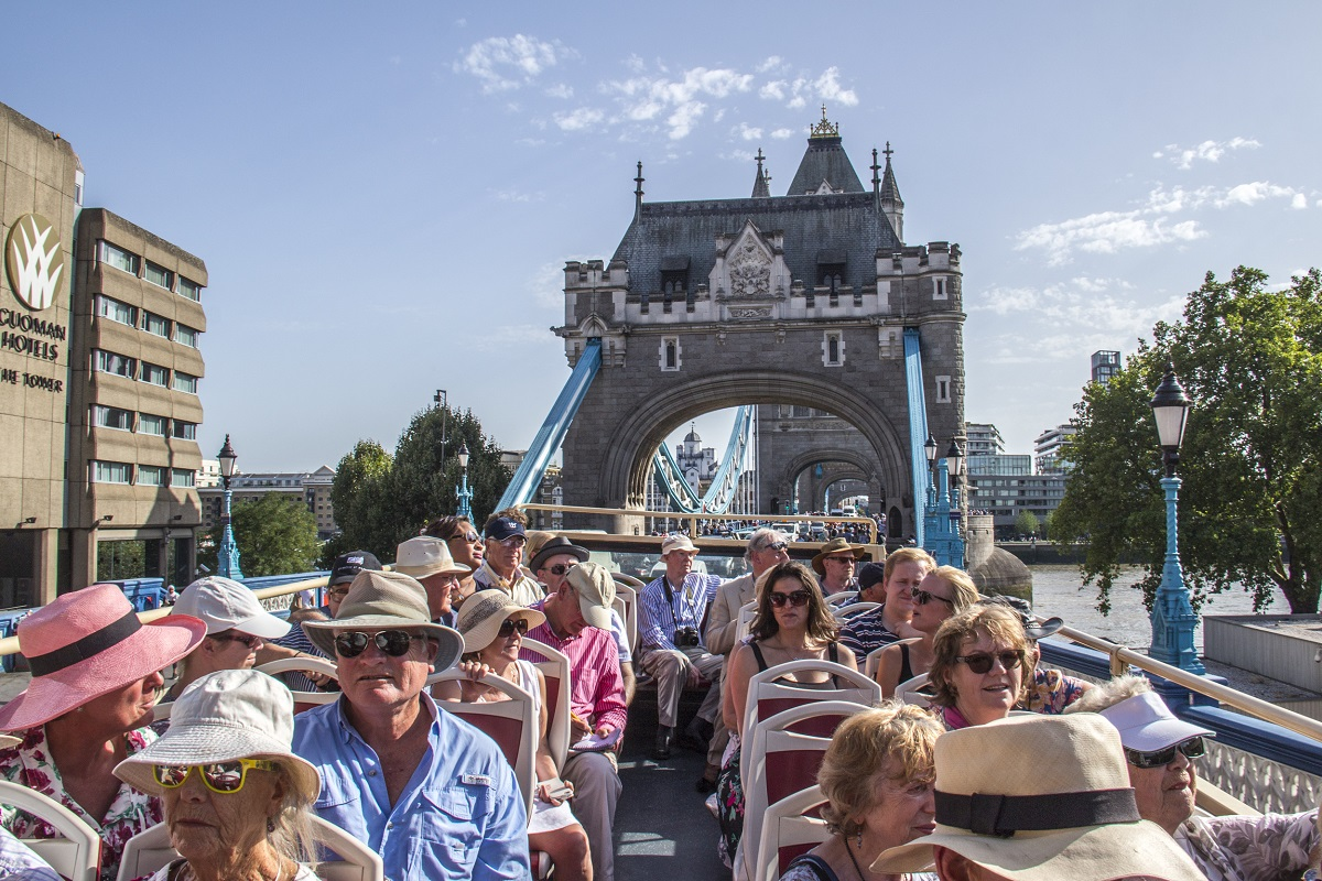 Crossing-Tower-Bridge-on-the-Big-Bus-tour-in-London-1524